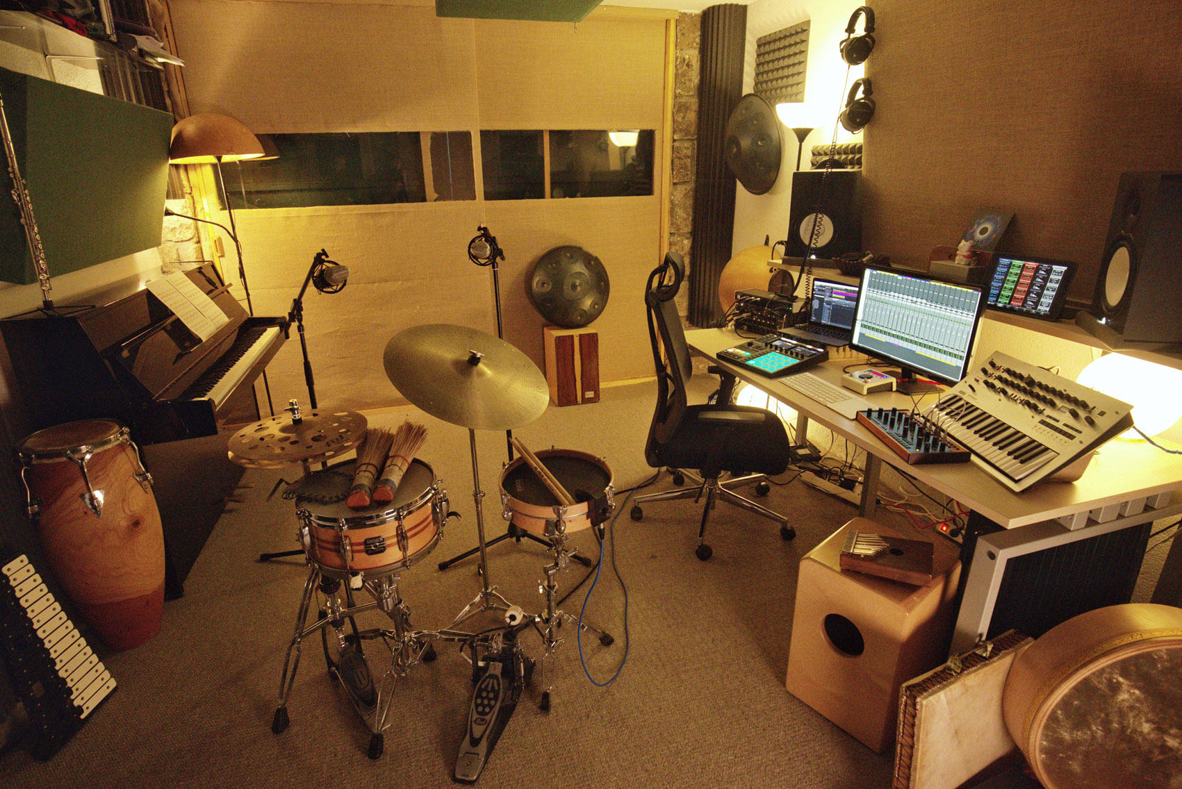 Miguel Hiroshi´s Music production studio in Madrid